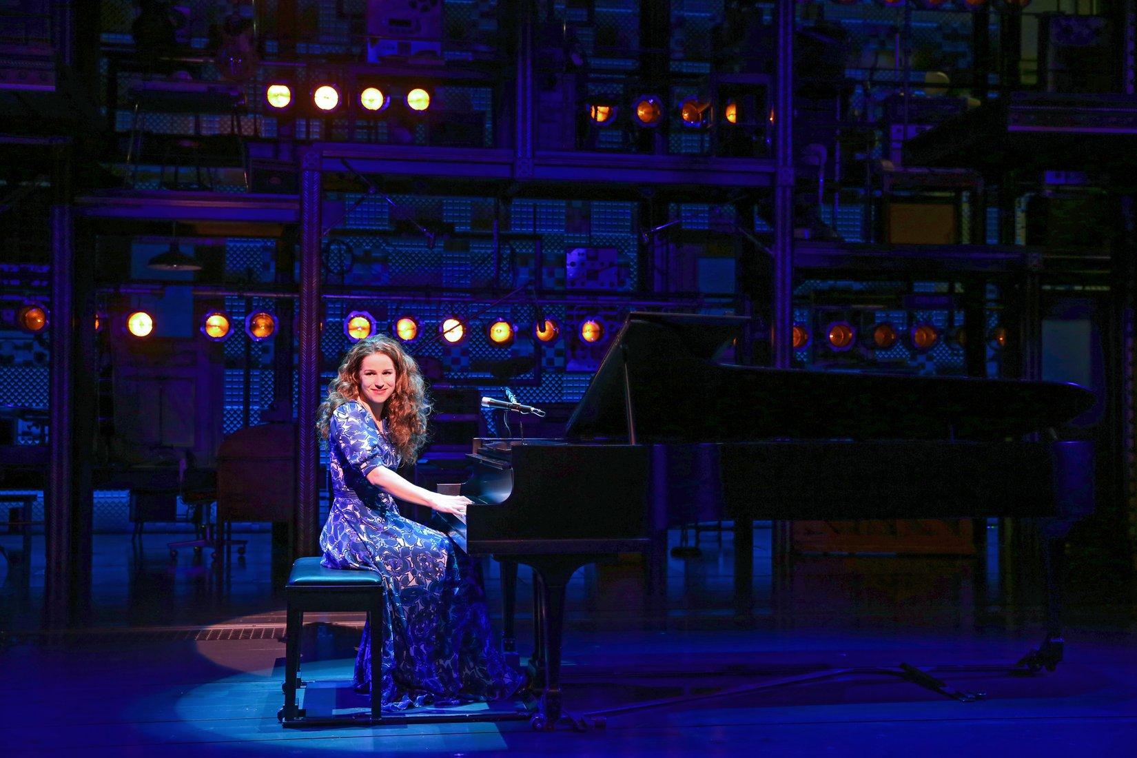 Carole King at the piano Broadway Cheap